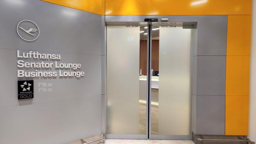Lufthansa Lounge Berlin Eingang 1024x575