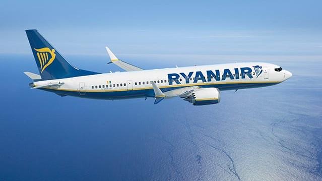 Ryanair Boeing 737 Max Flugzeug (2)