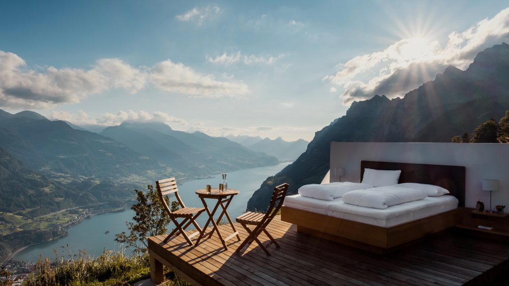 Schweizer Hotellerie Februar