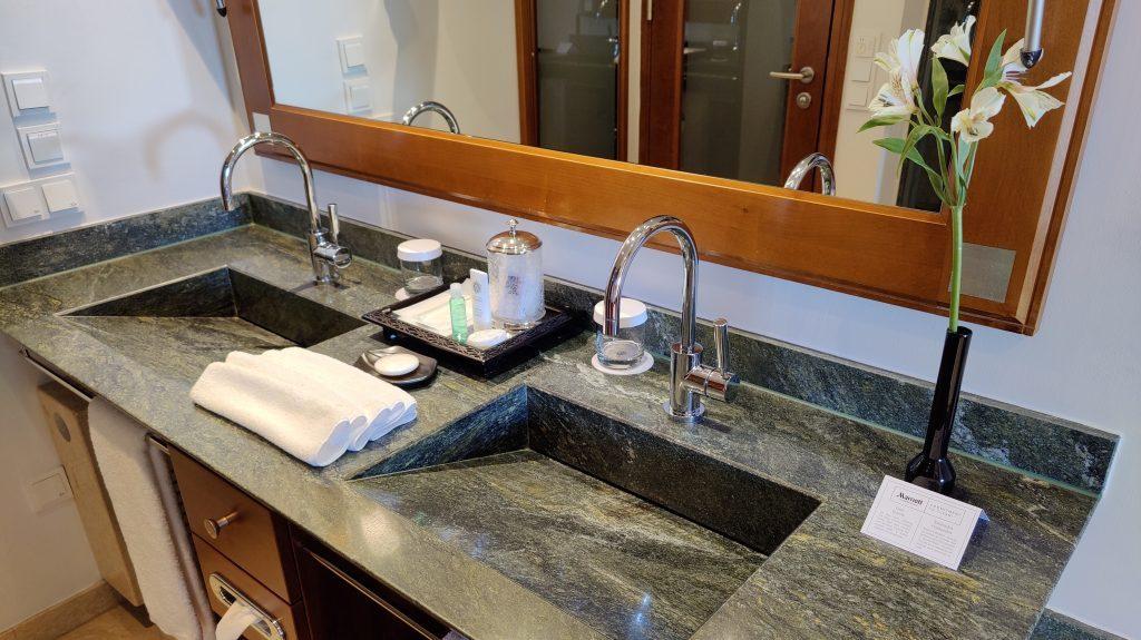 The St. Regis Mardavall Resort Mallorca Junior Suite Bad 4 1024x575