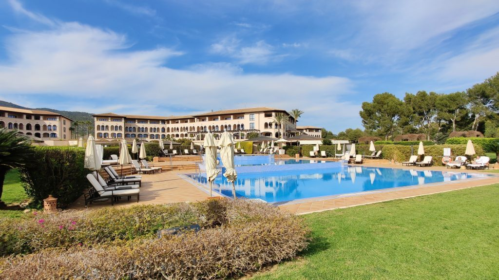 The St. Regis Mardavall Resort Mallorca Pool 4 1024x575