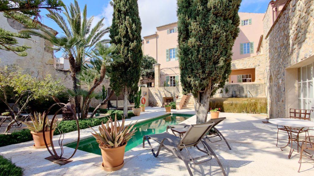 Yartan Boutique Hotel Arta Pool 1024x575 1