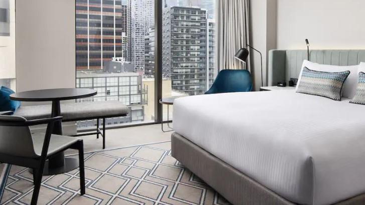 Hilton Room 2