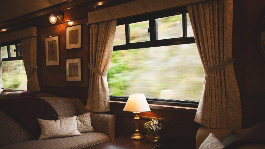 Luxuriöse Inneneinrichtung des Belmond Royal Scotsman