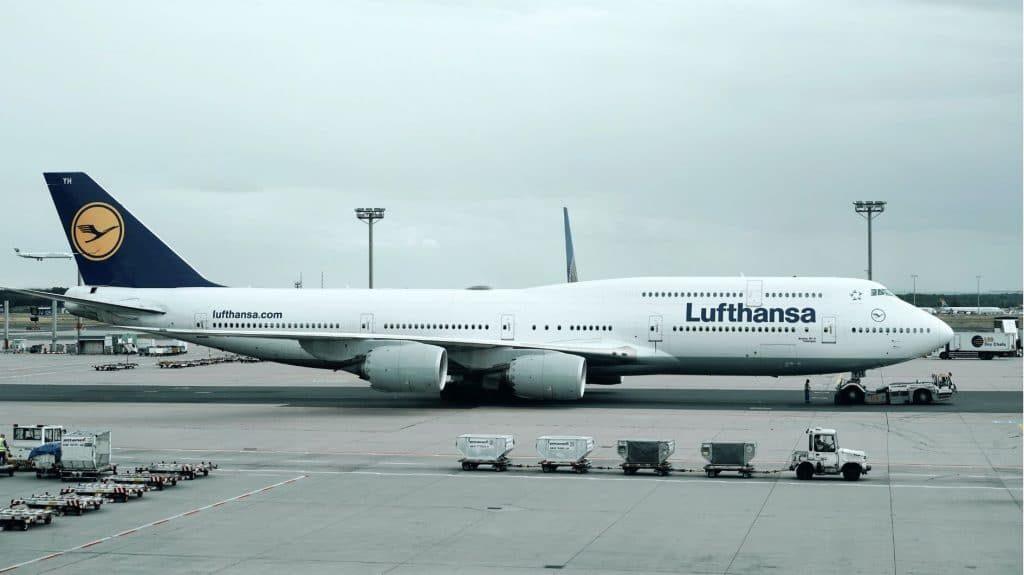 Lufthansa Airplane 1 1024x575