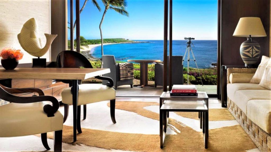 Oceanfront Suite Four Seaosons Hawaii