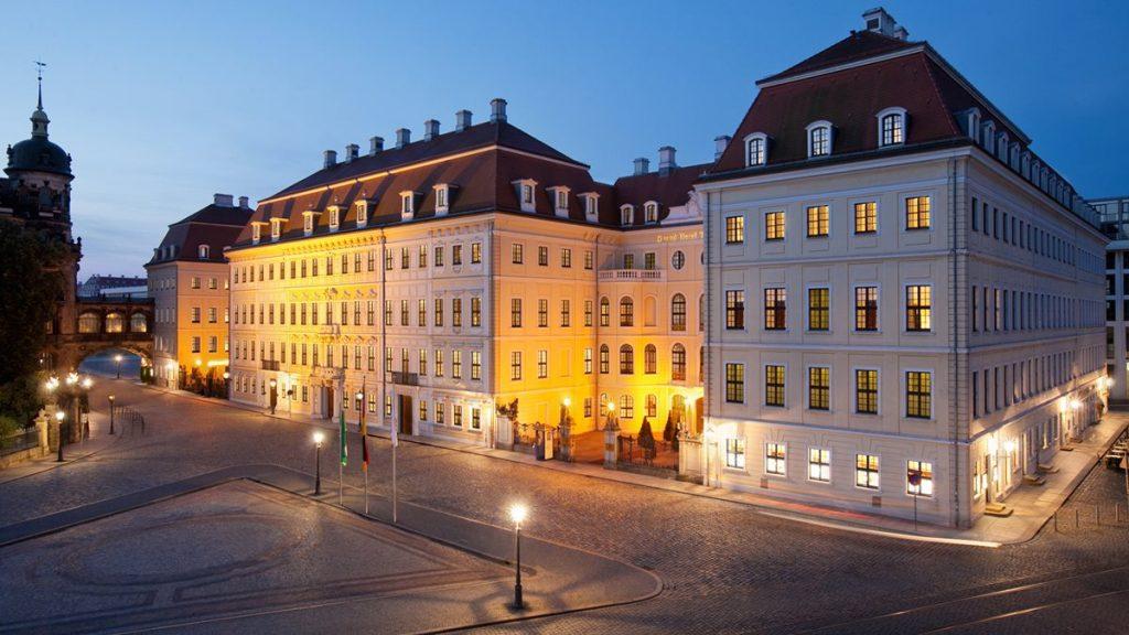 Taschenebrgpalais Dresden Fassade