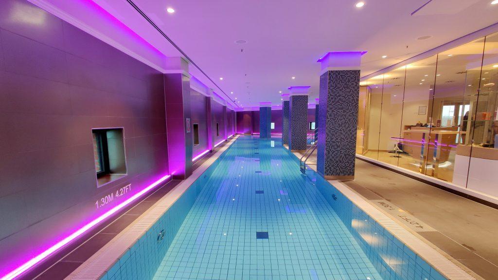 The Westin Hamburg Pool 2 1024x575