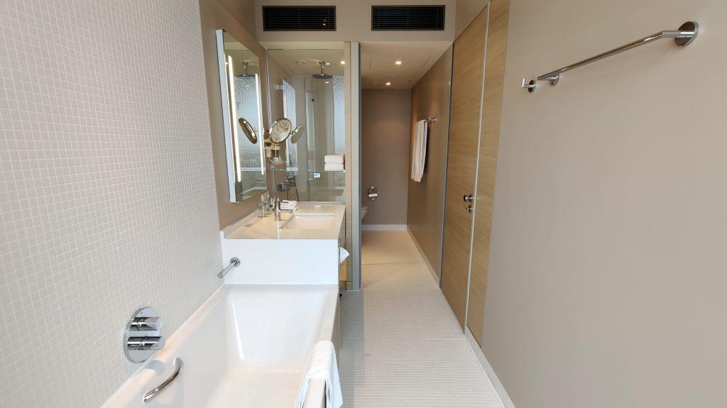 The Westin Hamburg Premium Zimmer Bad 5 1024x575