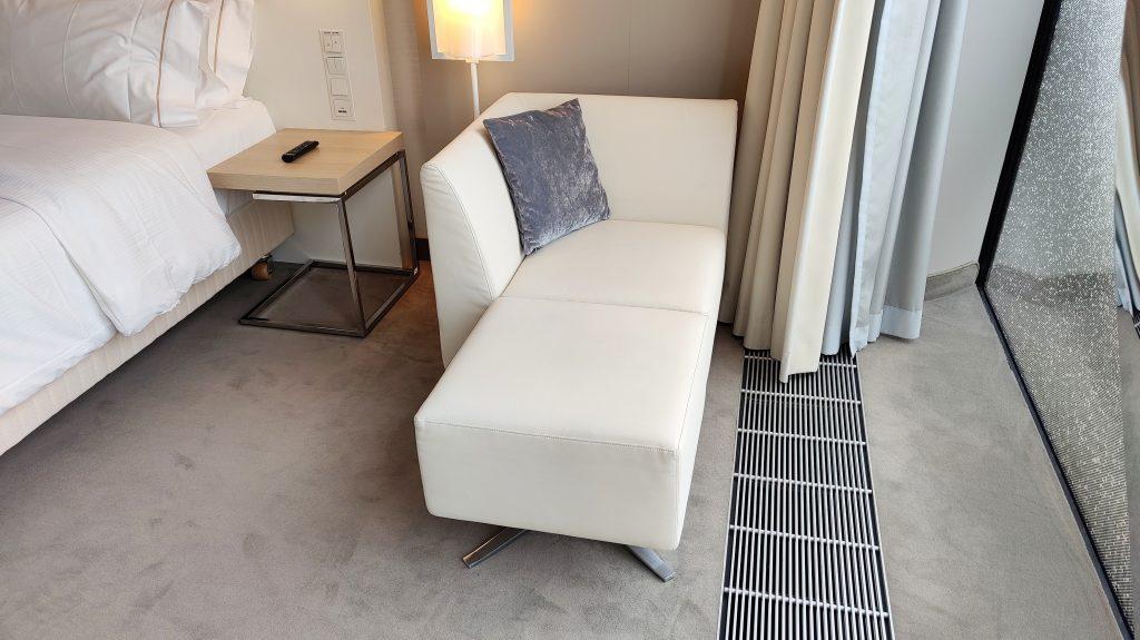 The Westin Hamburg Premium Zimmer Sofa 1024x575