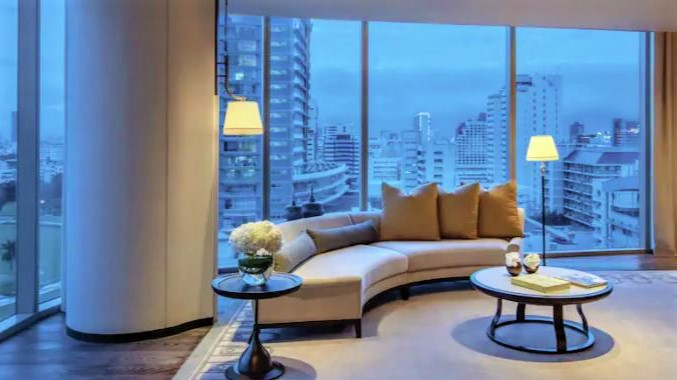 Waldorf Astoria BAngkok Suite