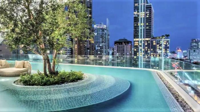 Waldorf Astoria Bangkok Pool