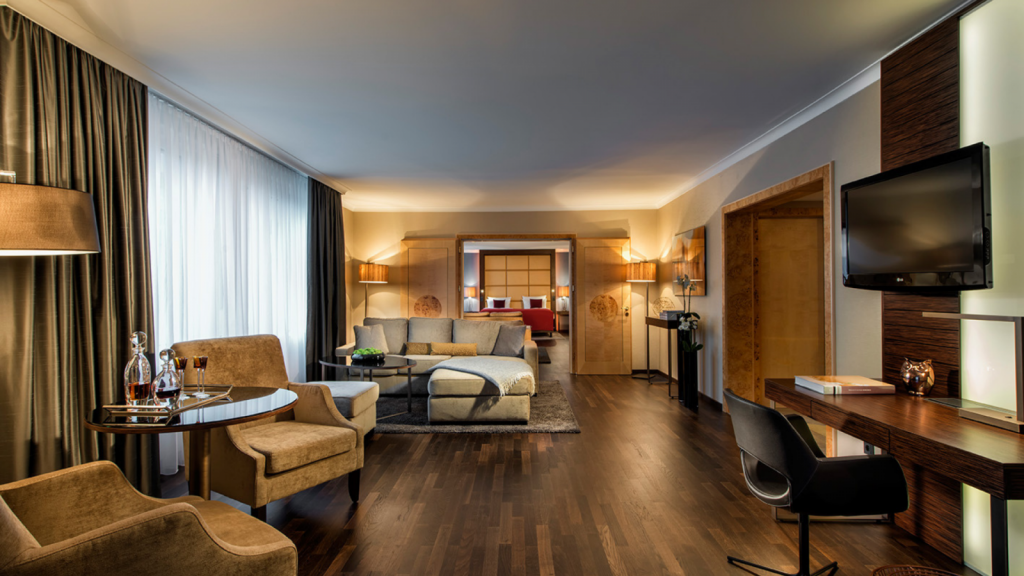 Hotel Palace Berlin Senior Suite