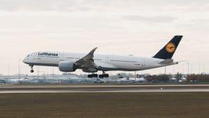 Lufthansa Airbus A350 1