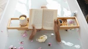 Buch Badewanne Wellness