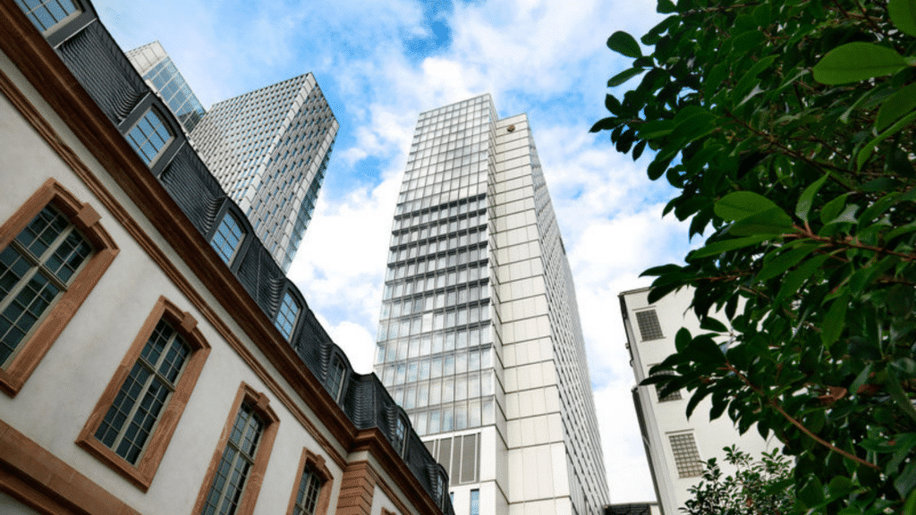 Jumeirah Frankfurt Aussenansicht 1024x576